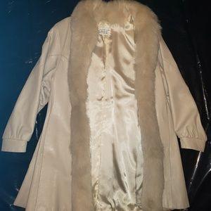 Jackets & Blazers - Vintage 100% Lamb Leather Coat With Arctic Fox Fu